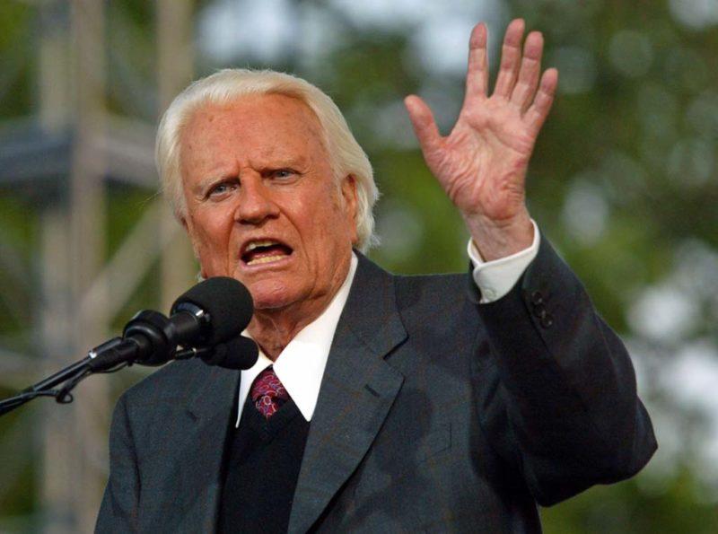 Không Bao Giờ Là Quá Sớm Để Nói Về Tình Yêu Của Chúa Giê-su Cho Con Cái – Billy Graham