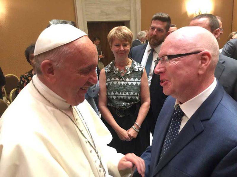 Giáo Hoàng Francis Gặp Gỡ Các Nhà Lãnh Đạo Tin Lành và Ngũ Tuần Theo Tinh Thần Giăng 17 (Phỏng Vấn)