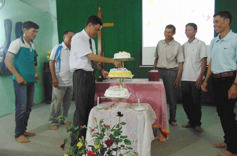 Mừng Sinh Nhật Hội Thánh Lời Sự Sống Lâm Đồng