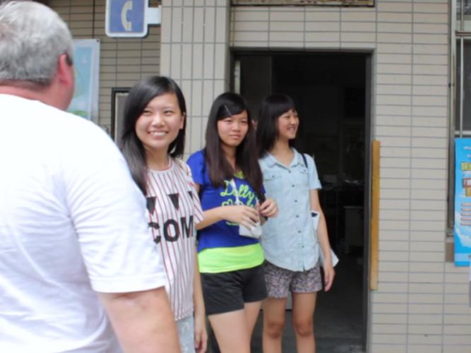 Truyền Rao Đấng Christ Ở Quốc Gia Phật Giáo: Nụ Cười Cô Ấy Nói Lên Tất Cả