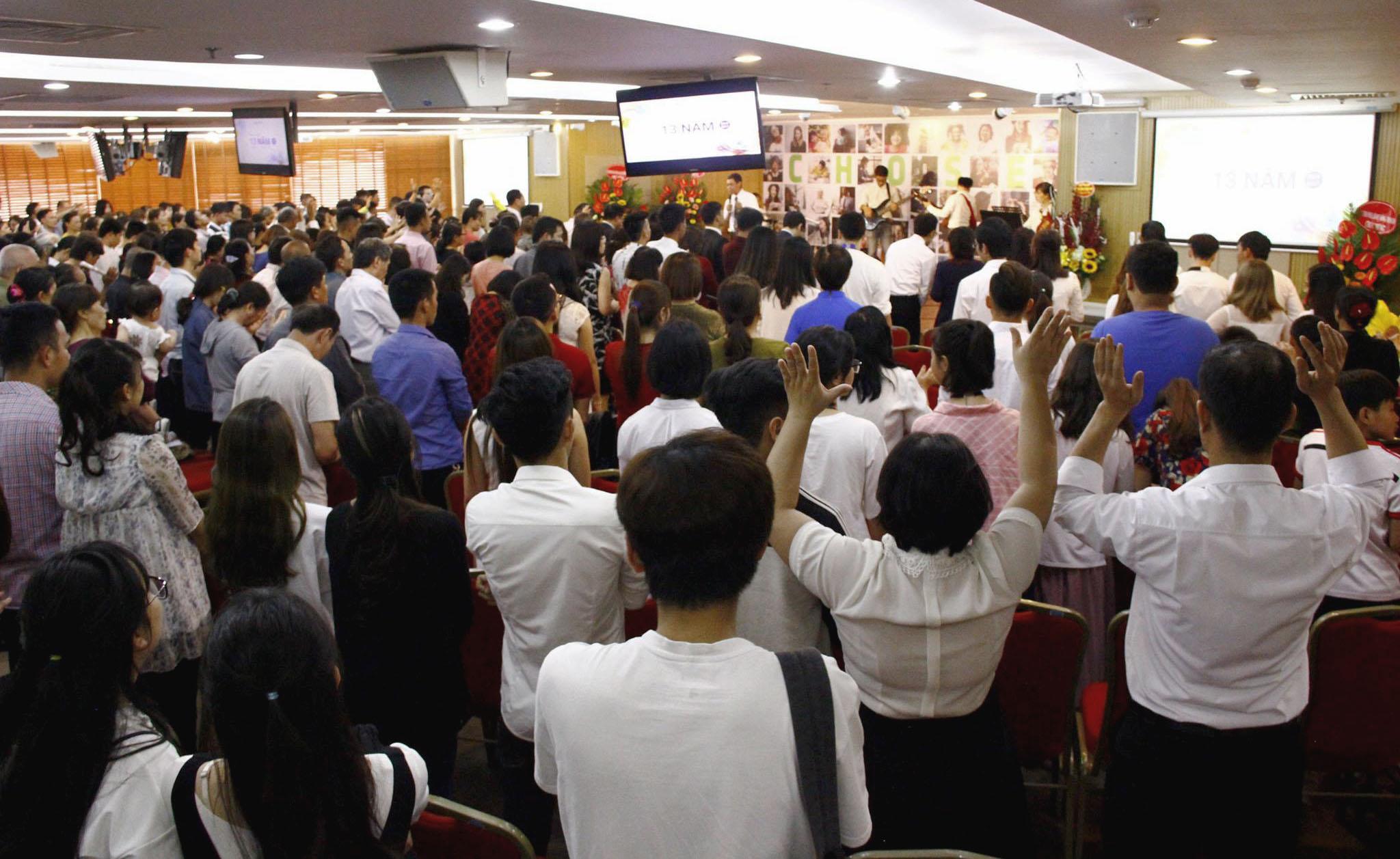 Sinh Nhật 13 Tuổi Hội Thánh Lời Sự Sống Tại Việt Nam